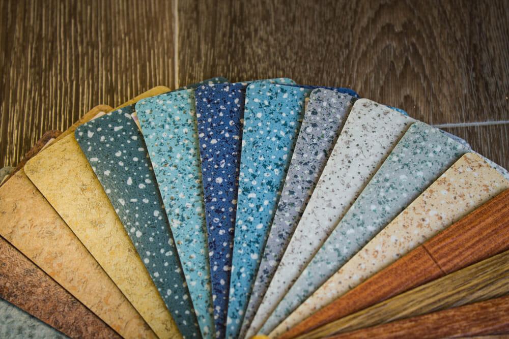 Auswahl an elastischen Bodenbelägen - Malerbetrieb Kossack