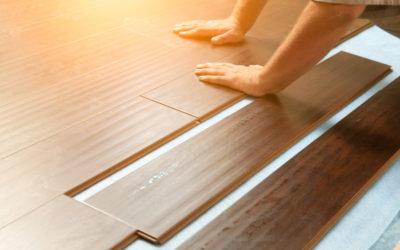 Nicht immer muss es ein neuer Holzboden sein: Mit professioneller Aufbereitung schnell zu frischem Glanz